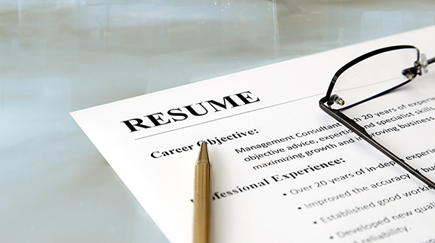 4 Resume Tips You Need to Get Through the 10 Second Scan by Employers